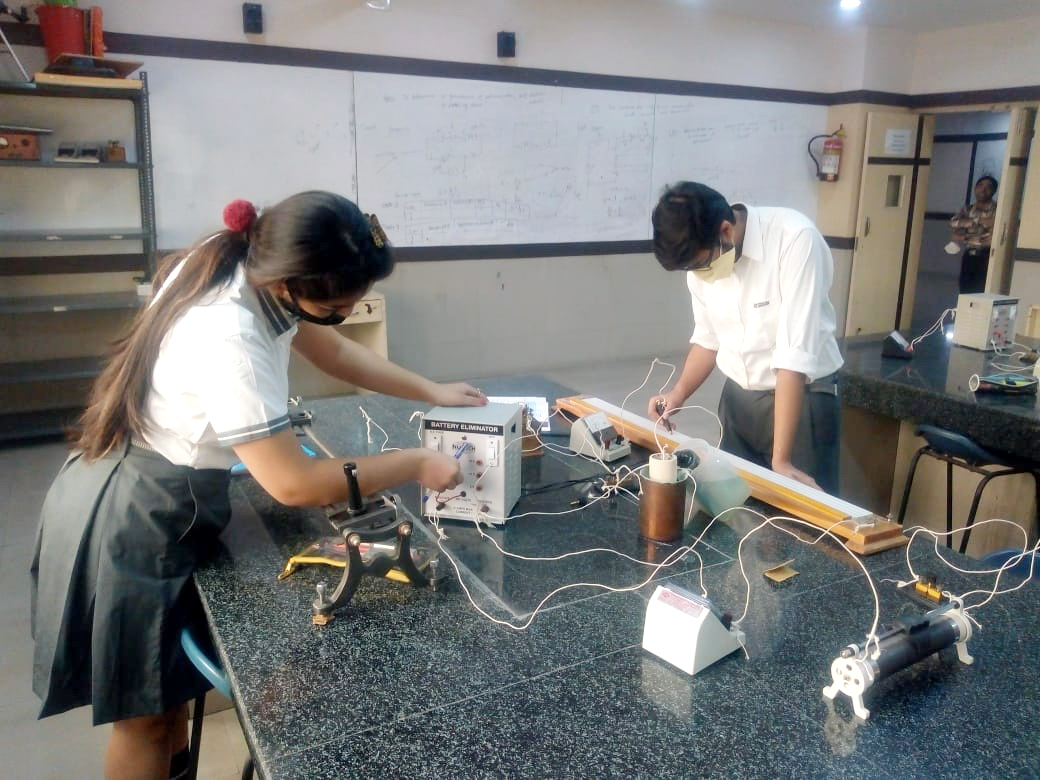 OUR BUDDING SCIENTISTS ACE PHYSICS EXPERIMENTS WITH EASE