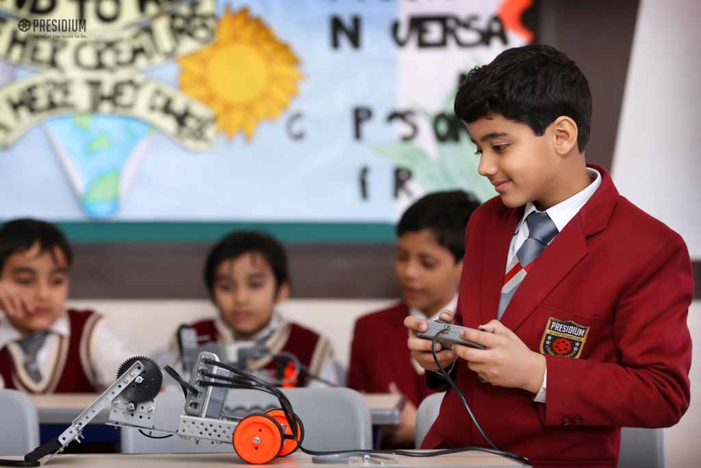 ROBOTICS WORKSHOP: AN AMALGAMATION OF EDUCATION AND ENTERTAINMENT