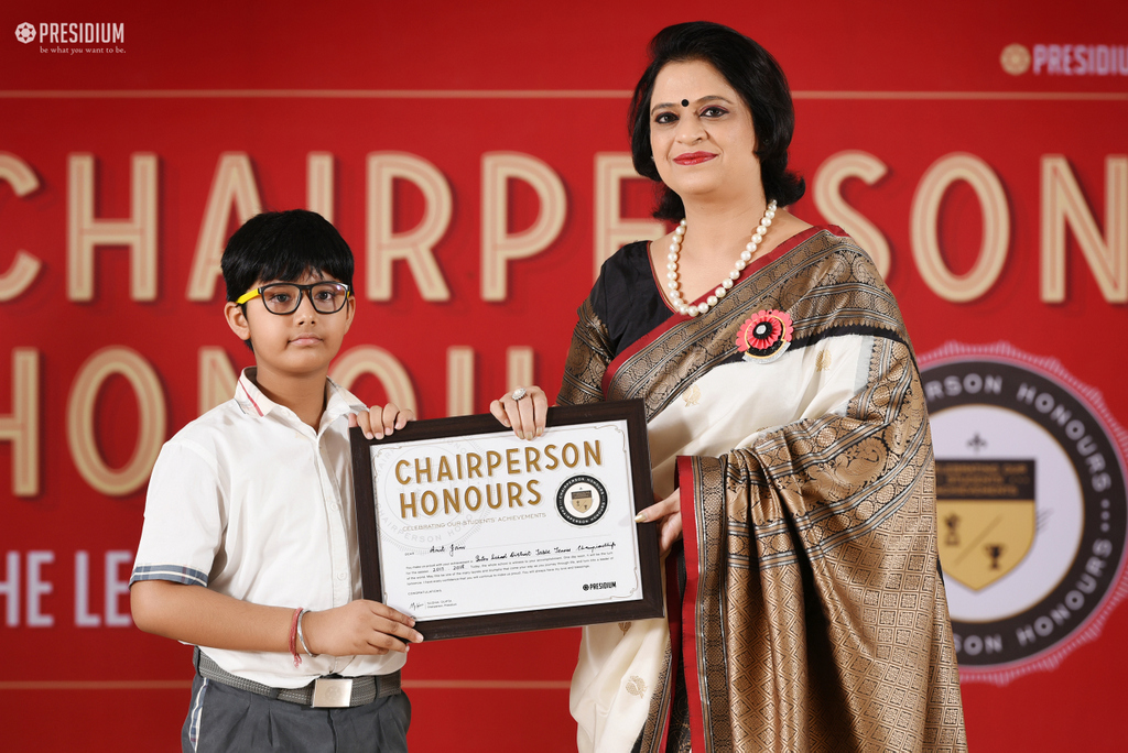 CHAIRPERSON HONOURS THE YOUNG ACHIEVERS OF PRESIDIUM NOIDA