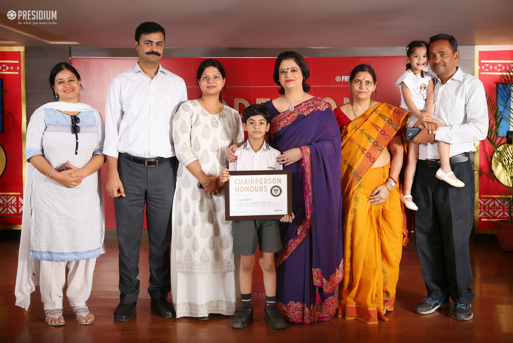 SUDHA MA'AM HONOURS YOUNG ACHIEVERS OF PRESIDIUM GURGAON