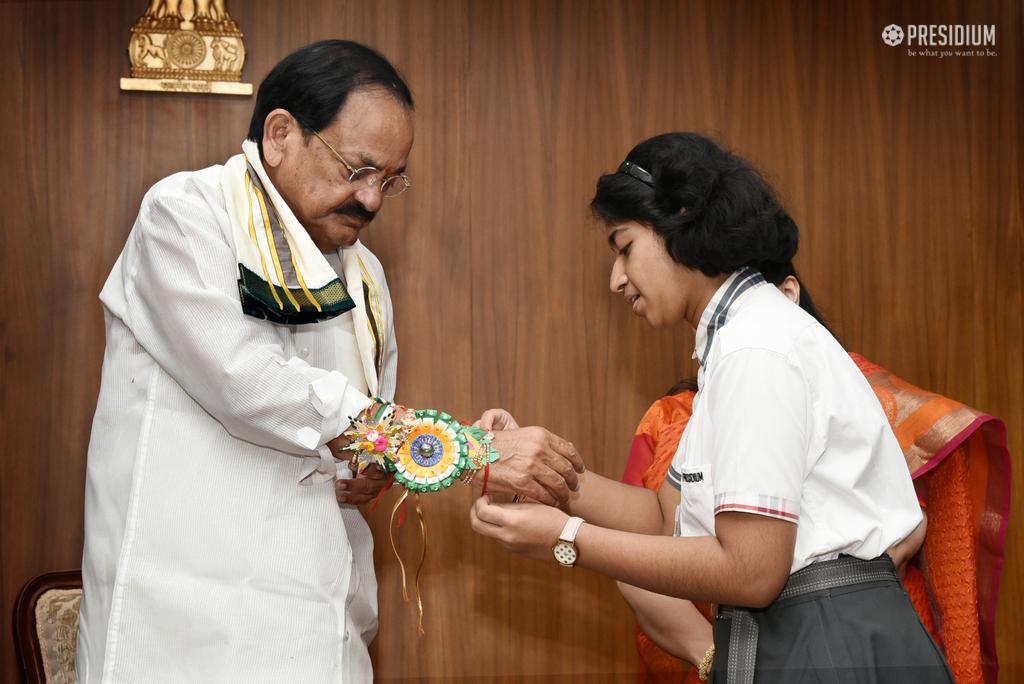 VICE PRESIDENT, SHRI VENKAIAH NAIDU BLESSES PRESIDIANS ON RAKHI