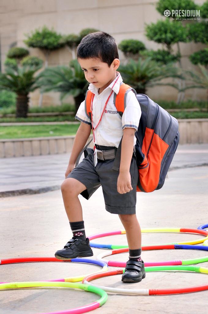 SCHOOL CORRIDORS WARMLY WELCOME PRESIDIANS POST SUMMER VACATIONS