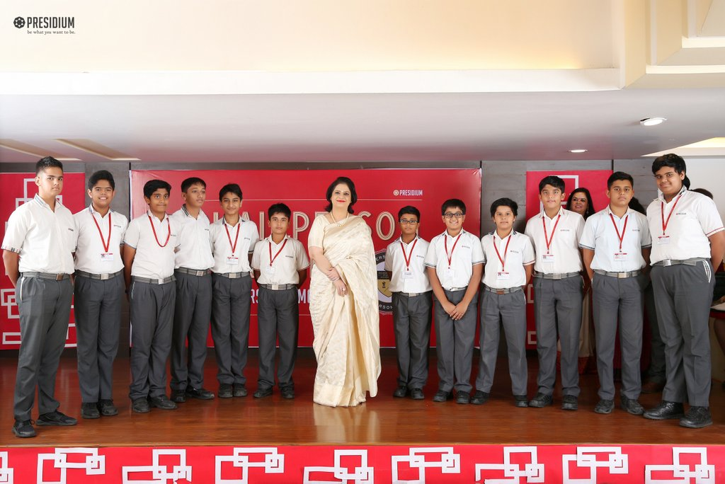 SUDHA MA'AM PRIZES THE HARD WORK OF MERITORIOUS PRESIDIANS AT CPH